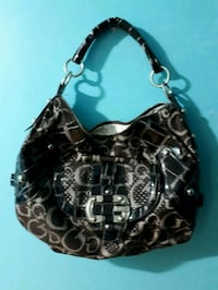Shoulder  purse from  guess  Brampton, L6Y 5C9