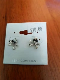 skull earrings Kitchener, N2N 3K5