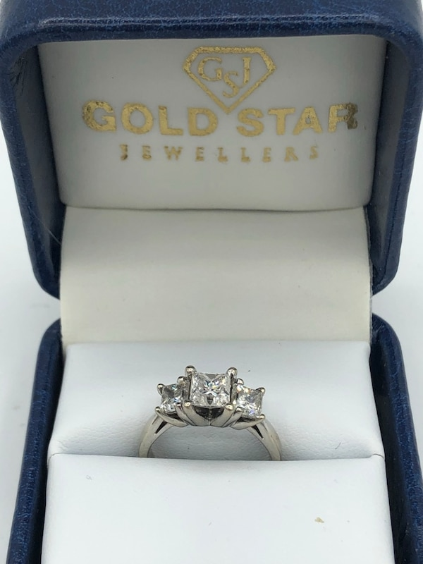 14k white gold and diamond ring 9f88ce61-bcf7-4df1-90ac-638c980d8fea