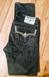 Mens True Religion sz 33 Narrow leg.  Vancouver, V5L 3A1