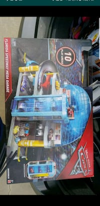 CARS 3 Florida speedway Mega Garage Playset Hesperia, 92345