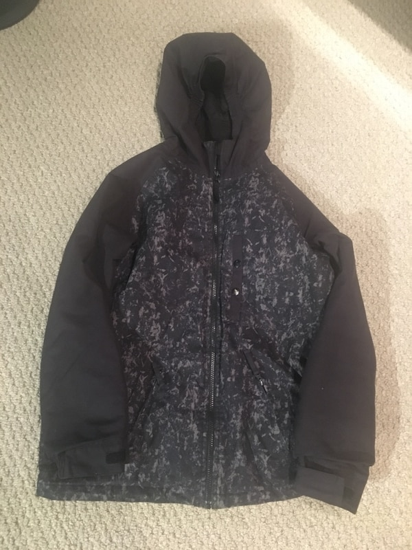 Black and gray snowboard jacket. Boys size 14-16