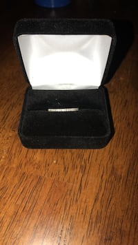 7.5 Vera Wang Love Collection 1/4 TW 14K White Gold Diamond band Herrings, 13619