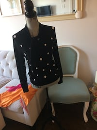 Black and white polka-dotted sweatshirt Montréal, H1Z 3T7