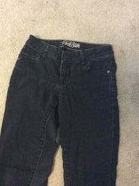 Black old navy skinny jeans size 2 Calgary, T3E 7A6