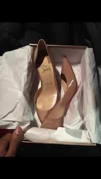 Christian louboutin beige or black patent leather for sale