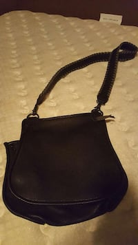 black leather shoulder bag 2865 km