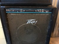 Black peavey bass guitar amplifier