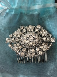 Beautiful hair comb with crystals Vaughan, L6A 4B2