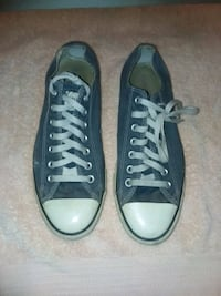 Converse size 9 1/2 Cathedral City, 92234