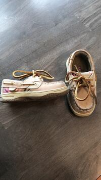Sperry's toddler size 6m