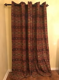 A pair of curtains great condition