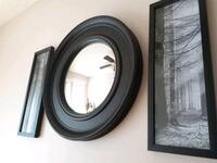 Retro round black wall mirror Ottawa, K1E 1V9