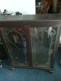 brown wooden framed glass display cabinet Elkton, 42220