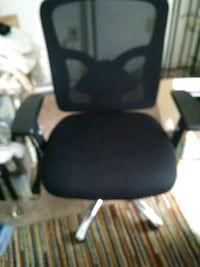 Excellent condition fabric desk chair by global fu Alexandria, 22315