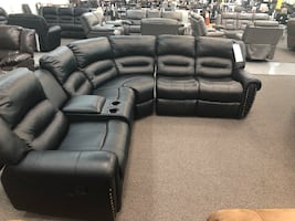 New Reclining Sectional Set.Black Leather. Delivery/ Assembly included