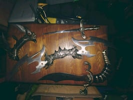 4 Dragon Tooth Knives