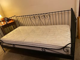 Vintage wrought iron day bed