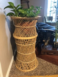 Wicker plant stand San Antonio, 78227