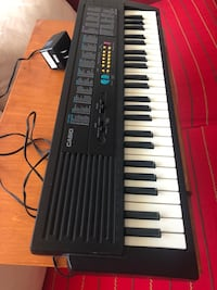 Piano Keyboard Casio MA-100 for kids & wooden stand Montreal, H1G