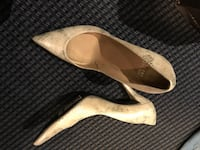 pair of brown leather pointed-toe pumps Ridgefield Park, 07660