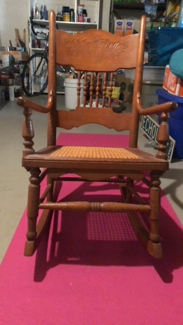 Antique    Childs. Oak Rocker