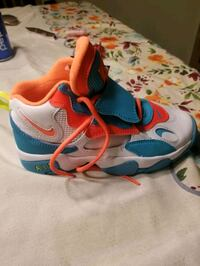 Nike High top size 4 5 Brand new never been worn