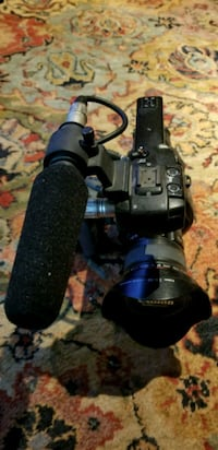 Canon C100 with ef f/2.8L II USM 16-35 lens and mi Sterling, 20164