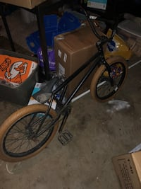 black and gray BMX bike 2327 mi