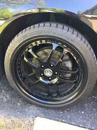 19 inch wheels and tires (staggered)