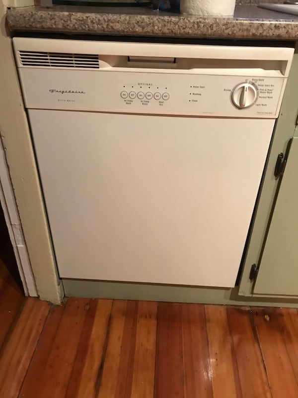 Great appliances and cabinets from kitchen renovation - All reasonable offers considered 66ff0234-eccd-492a-b85e-34fde9561175