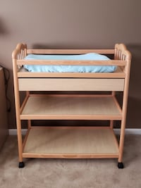 wooden diaper changing table Arlington Heights, 60005
