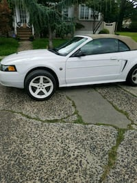 Ford - Mustang - 2004 Jersey City, 07306