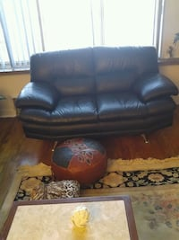 black leather 2-seat sofa Montreal, H3W