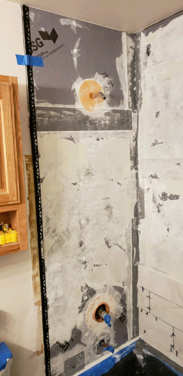 Tile and grout cleaning f18bd636-6432-4caa-b347-135e1a91047c