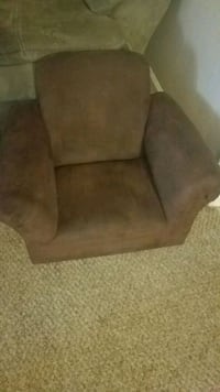 brown suede padded sofa chair Columbia, 38401
