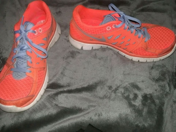 cec9b492b573 Used Neon orange Nike running shoes for sale in Medford - letgo