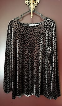 Velour silver leopard top Caldwell, 83605