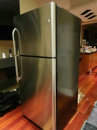 stainless steel top-mount refrigerator Richmond Hill, L4C 7W3