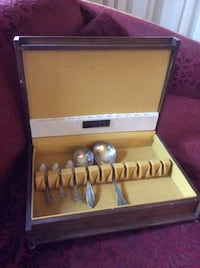 Vintage Cutlery Canteen Box London, N6B 2B2