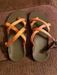 ladies size 8 Chacos. very good condition