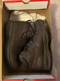 Nike Manoa Leather Boots Men's Size 9