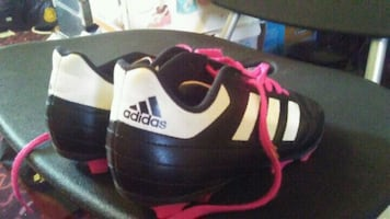 Girls soccer shoes size 2  excellent condition