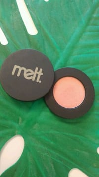 Melt Cosmetics Amelie: peach-gold eyeshadow Toronto, M4Y 2P9