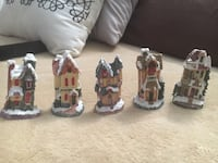 Christmas village set of 5 for $10 Mississauga, L5E