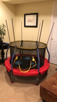 toddler trampoline (in prosess of disassembly) null