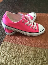 Tennis shoes Converse size 6.5 Woman Tampa, 33614