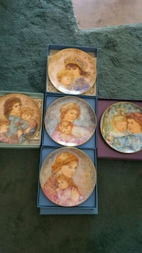 5 Edna Hibel Mother's Day Plate Collection Lake Worth, 33467