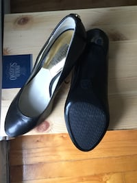 Brand new michael kors black leather heel in 6 Montréal, H1M 1S1