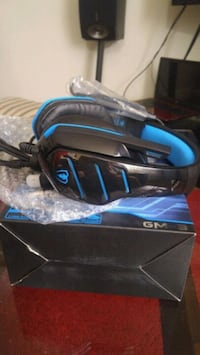 Gaming beexcelle black and blue corded headphones  Mississauga